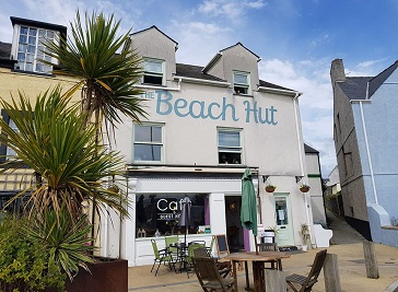 The Beach Hut - Holyhead B&B with Sea Views